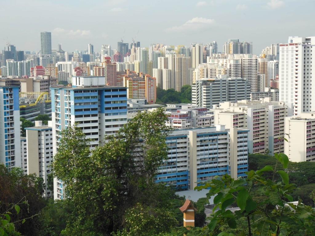 カラフルな建物が多い